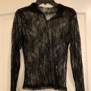 LACE TOP LONG SLEEVES. SIZE L